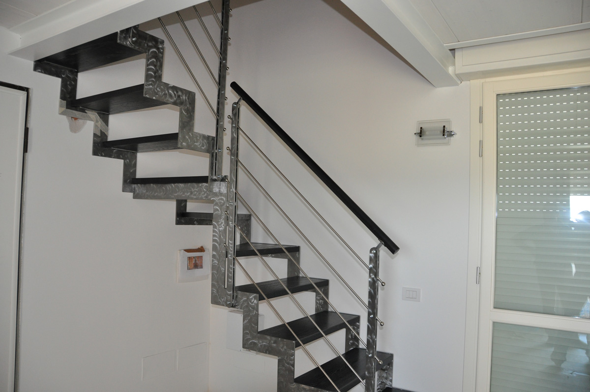 Scale in ferro personalizzate a rovigo - Scale usate per interni ...
